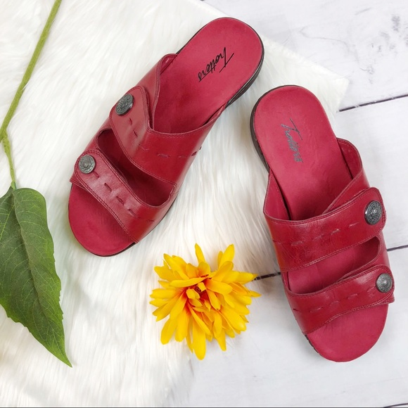 Trotters Red Leather Sandals Size Wide